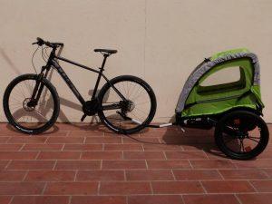 Vélo et remorque